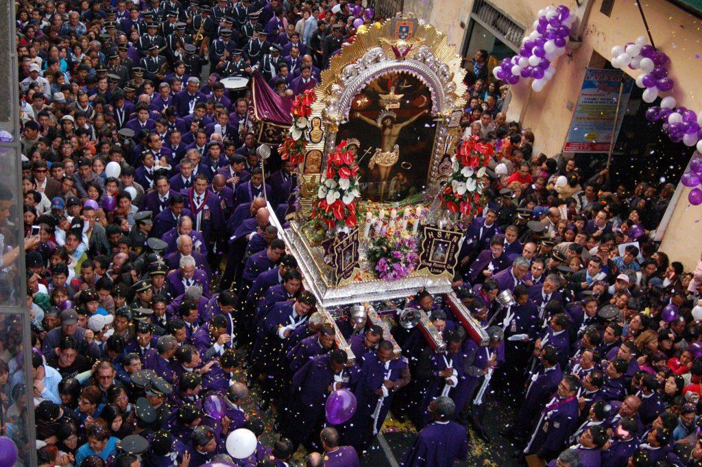 Señor de los Milagros - Mes morado en Lima