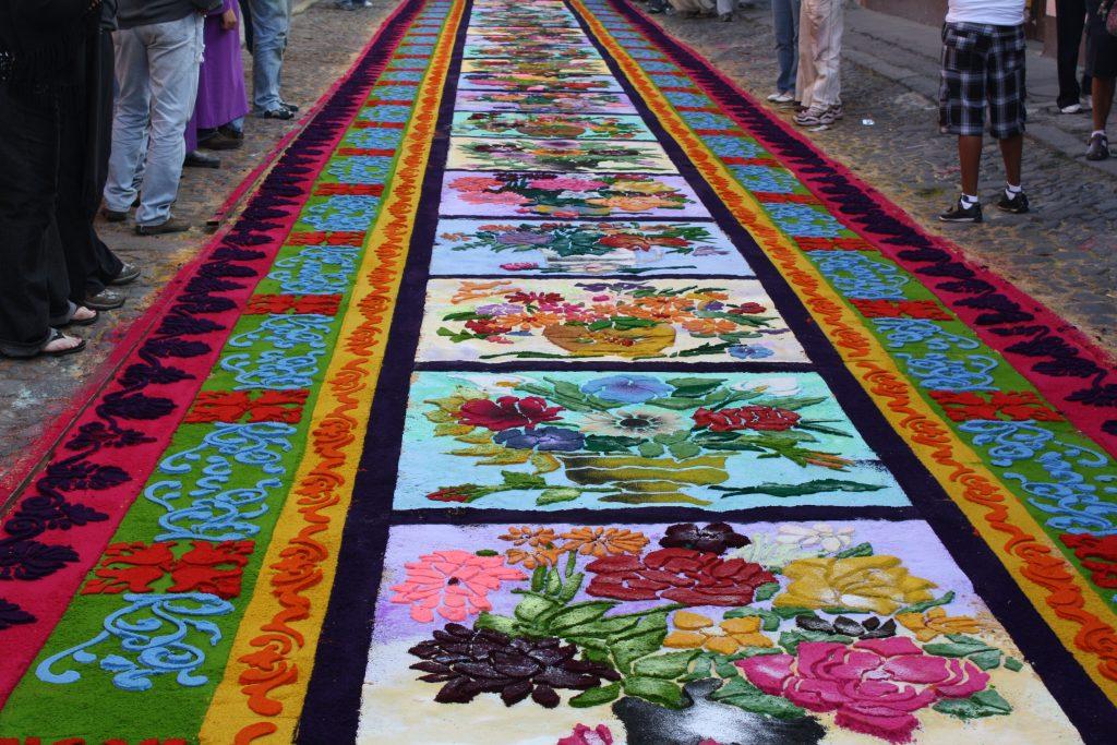 Alfombras Florales - Mes morado en Lima